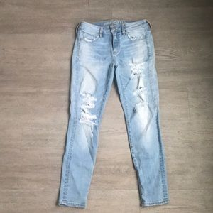 American Eagle High Waisted Light Wash Jeans